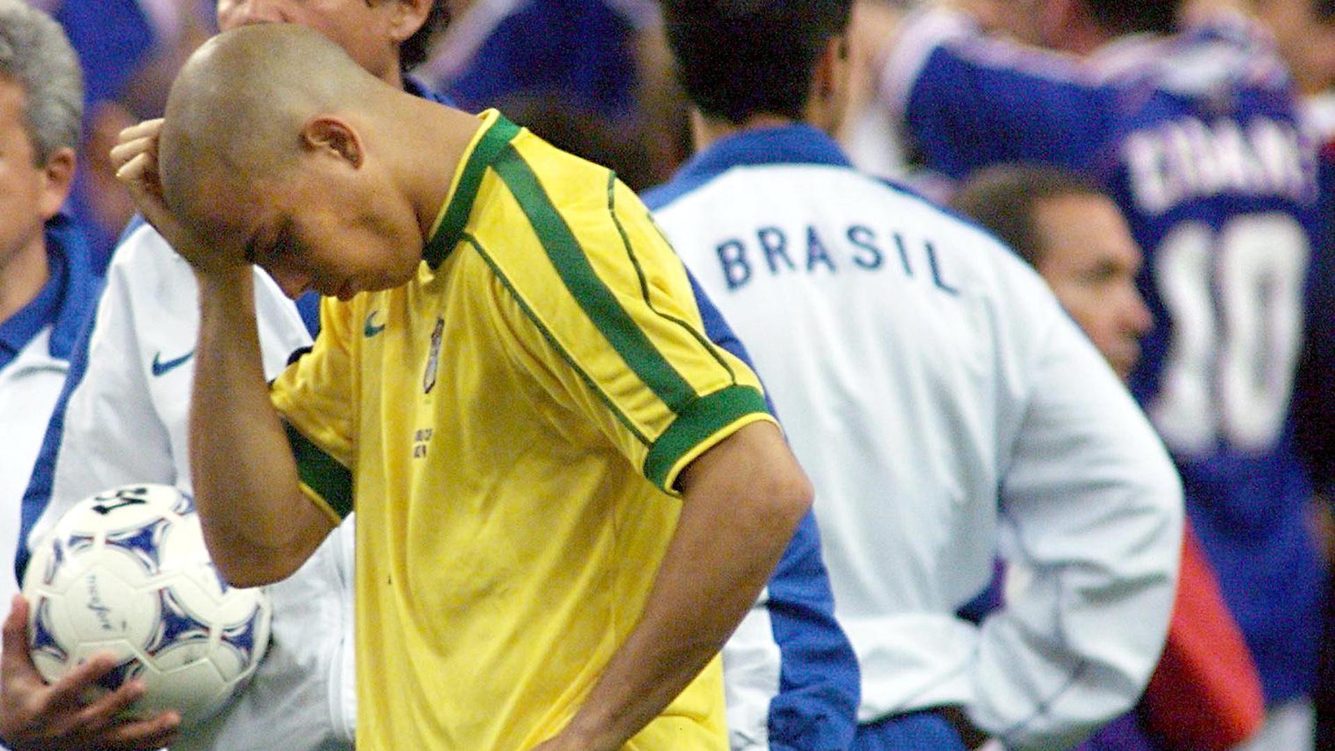 1998 World Cup final Ronaldo Brazil France