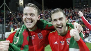 Chris Gunter Aaron Ramsey Bosnia Wales 10102015