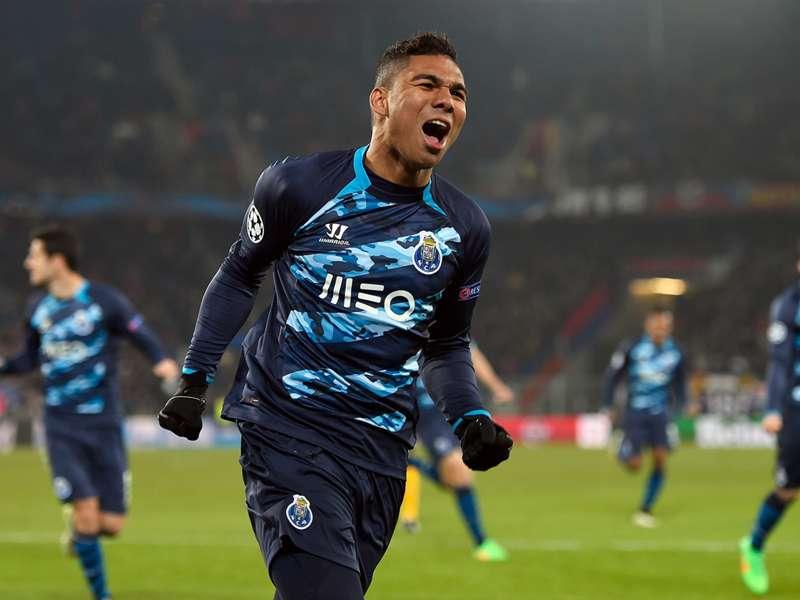 """Casemiro elogia temporada do Porto: """"Estamos cada vez melhor"""""""