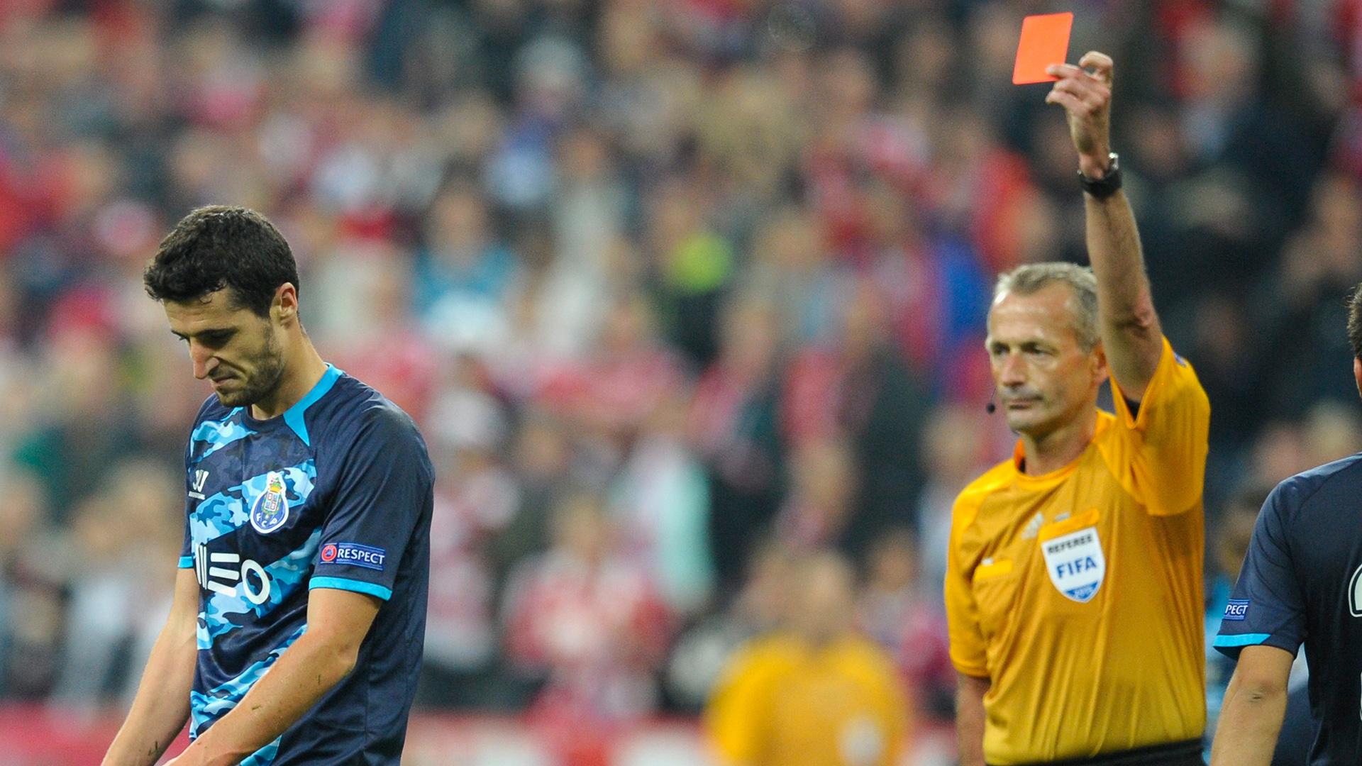 Ivan Marcano red Bayern Munich FC Porto Champions League 21042015