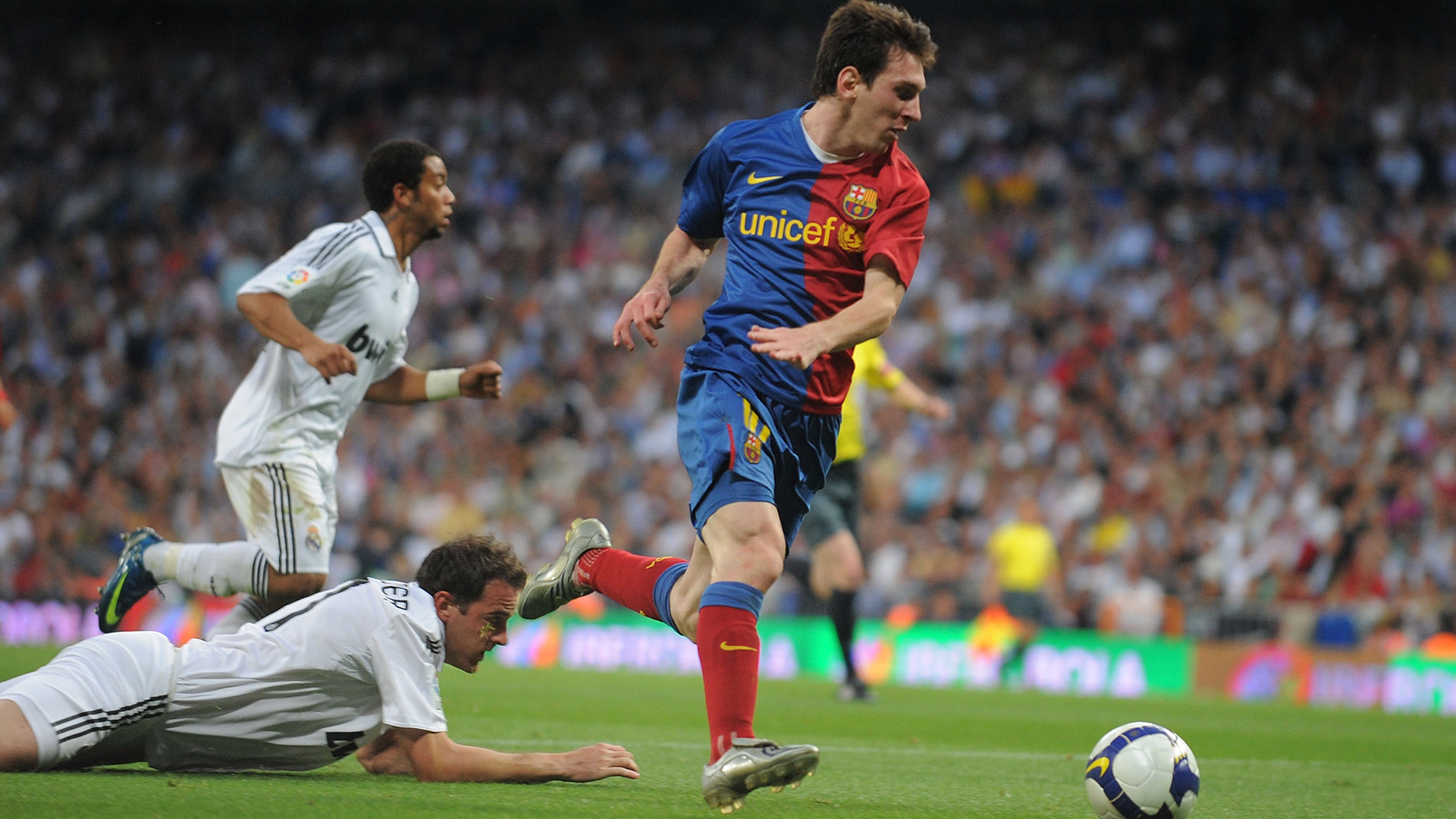 Lionel Messi Barcelona Real Madrid 2009