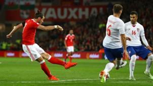 Gareth Bale Wales Serbia