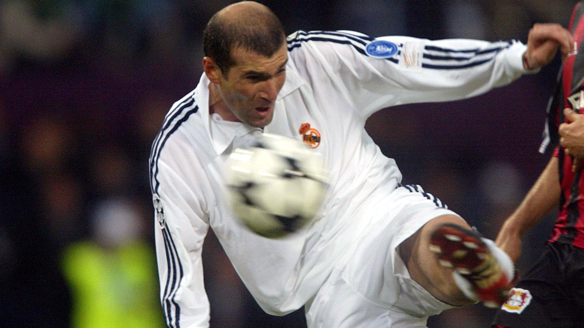 Zinedine Zidane Real Madrid Bayer Leverkusen 2002 Champions League final