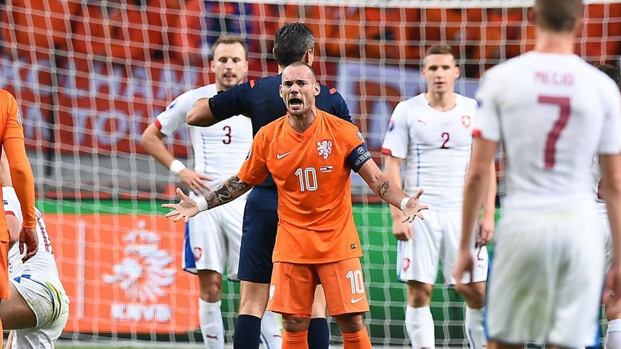 Wesley Sneijder Netherlands 131015
