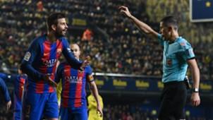 Gerard Pique referee