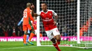 Walcott Arsenal Swansea