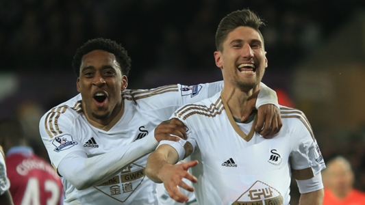 Newcastle confirm £6m signing of Fernandez from Swansea
