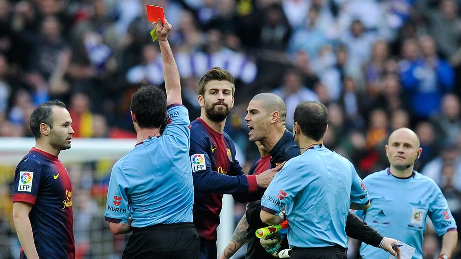Victor Valdes Barcelona Real Madrid red card