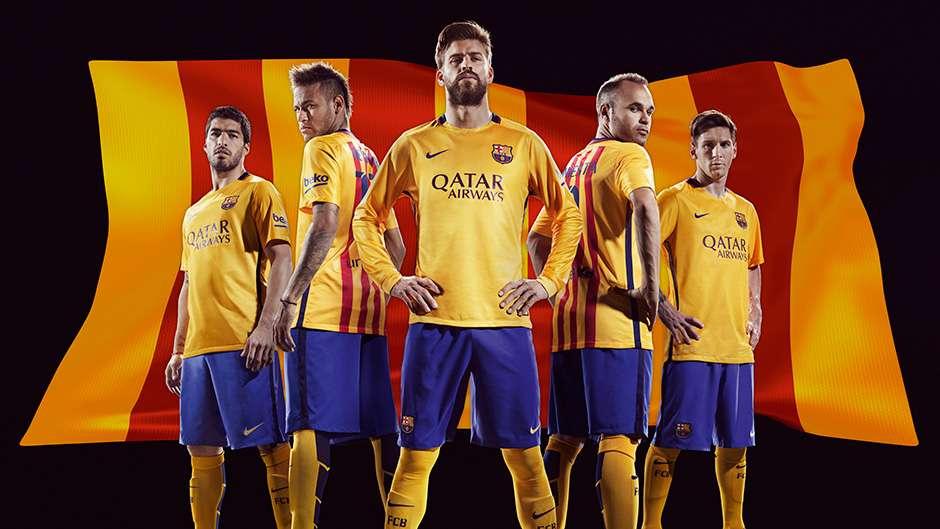 f01c45fb0 Barcelona 2015 2016 Kit Nike - Goal.com
