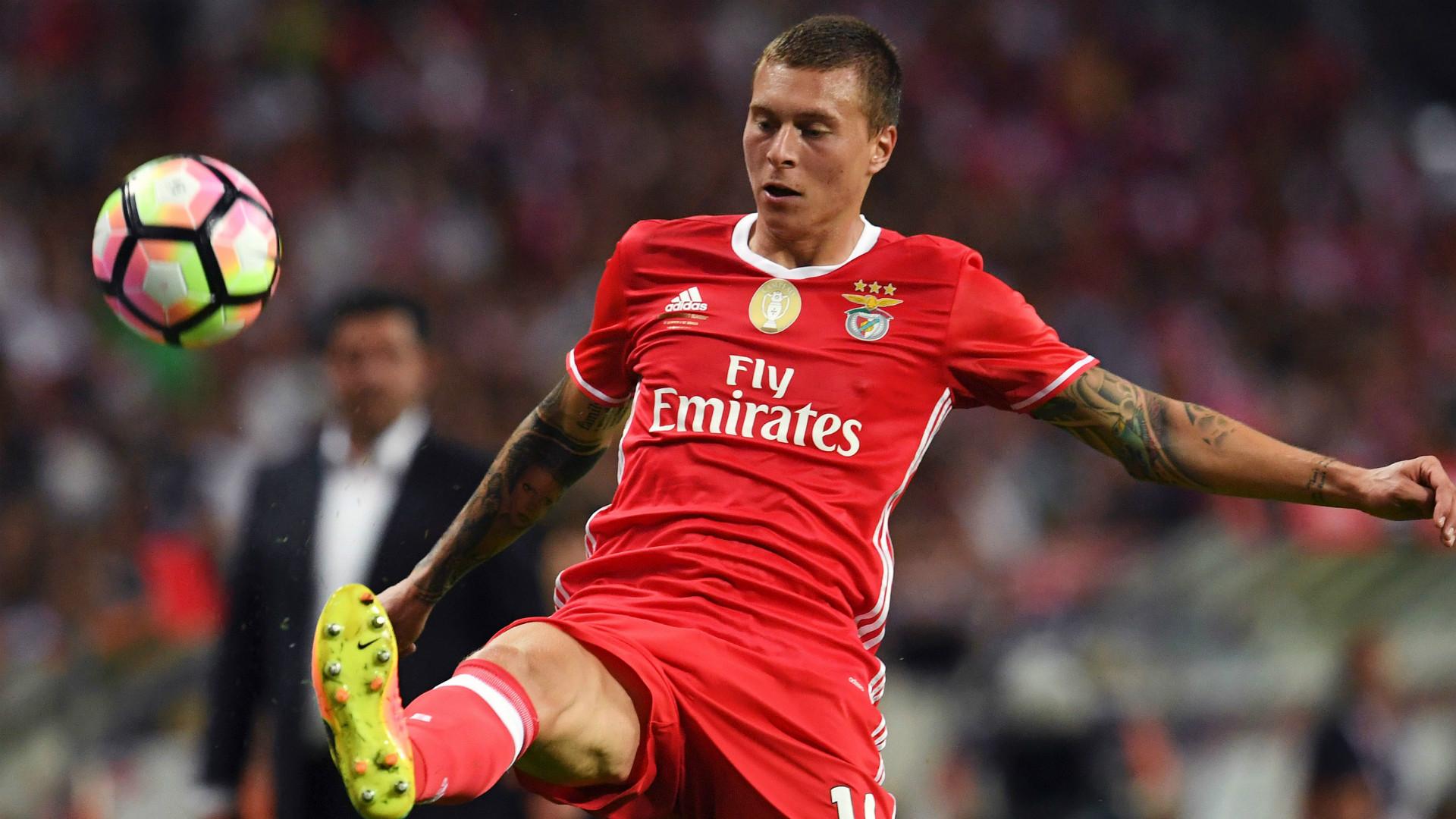 Victor Lindelof Benfica