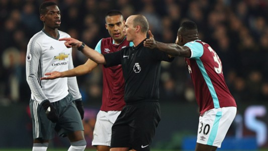 Mike Dean West Ham Manchester United