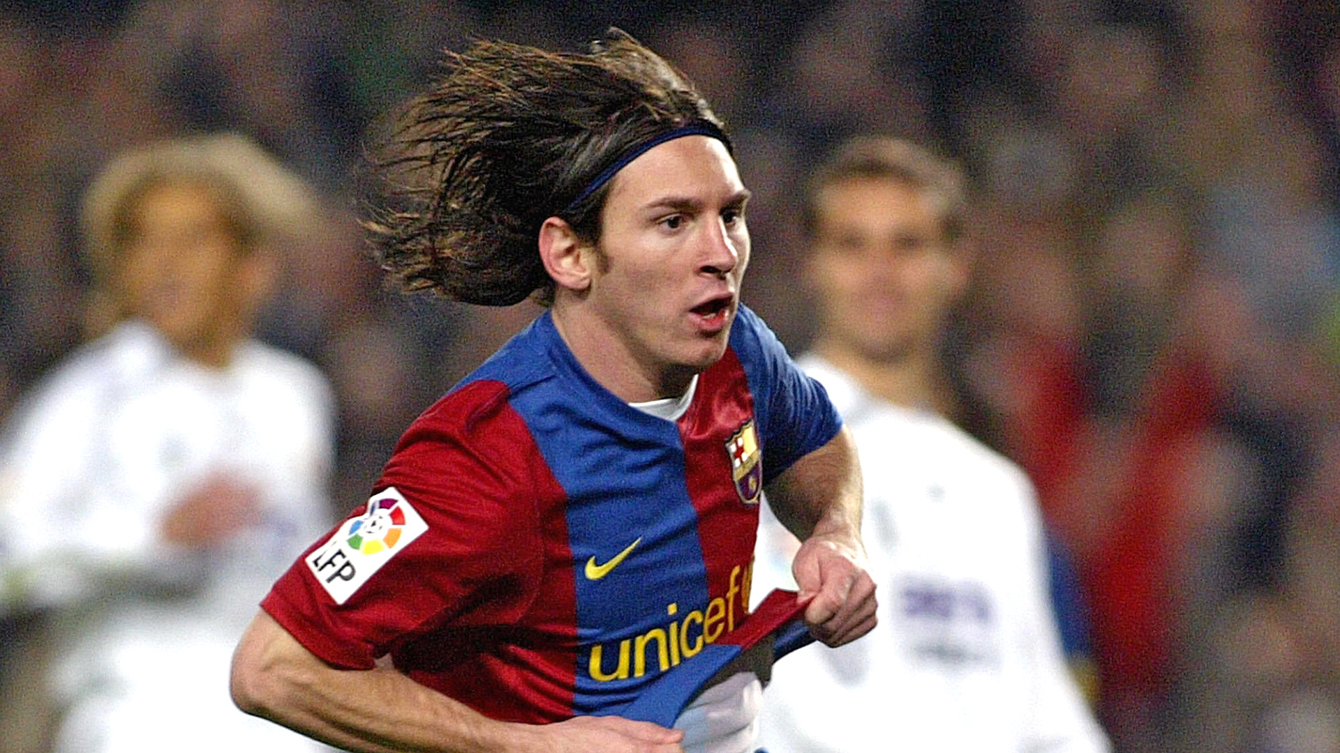 Lionel messi con el pelo largo