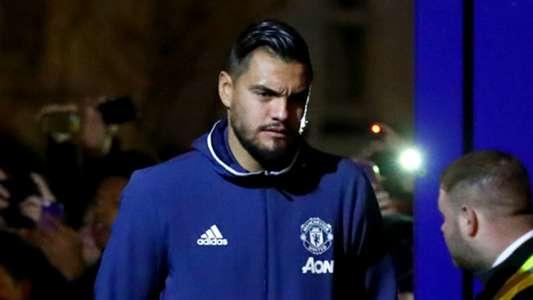رسميًا | مانشستر يونايتد يجدد عقد حارسه روميرو