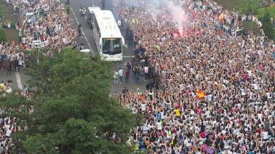Superstitions of Atletico & Real Madrid   Real Madrid bus