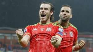 Gareth Bale Hal Robson-Kanu Bosnia Wales 10102015