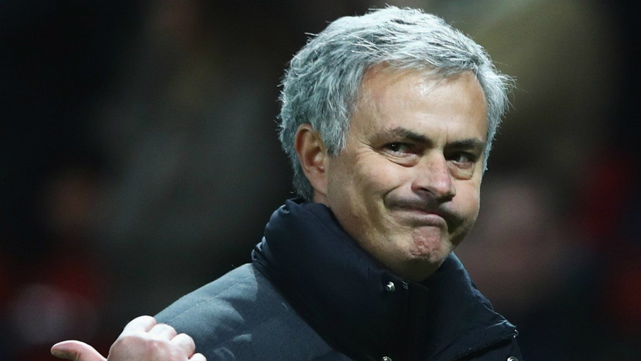 Video Mourinho Jokes With Reporters About His New Haircut Goal