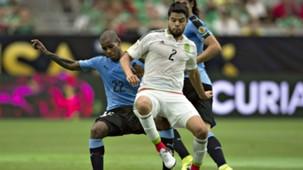 Nestor Araujo Mexico Diego Rolan Uruguay Copa America Centenario 06052016
