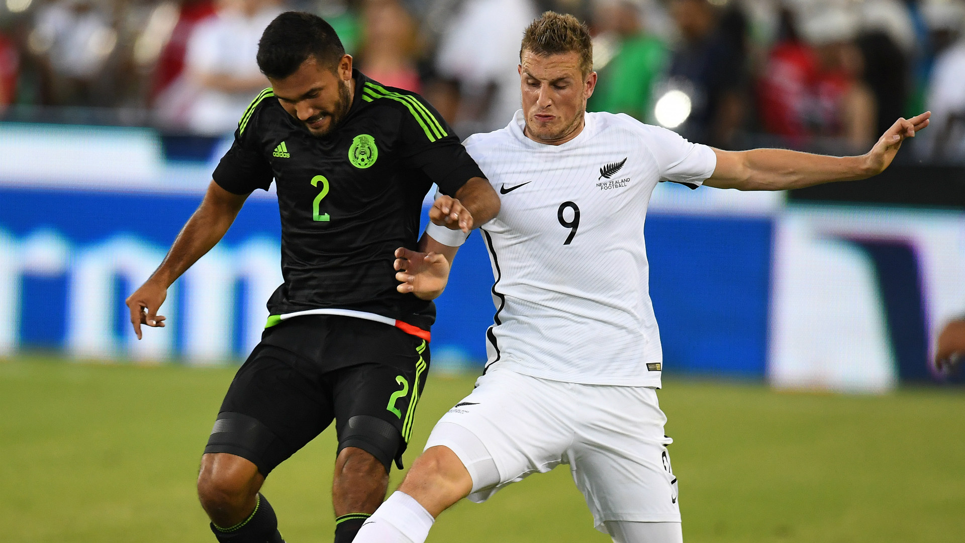 Hedgardo Marin Mexico Chris Wood New Zealand friendly 10082016