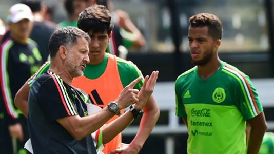Juan Carlos Osorio Giovani dos Santos Mexico 10042016