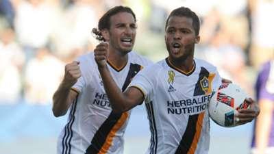 Alan Gordon Giovani dos Santos LA Galaxy MLS 09112016