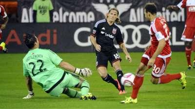 Chris Rolfe D.C. United Bobby Shuttleworth New England Revolution MLS Playoffs 10282015