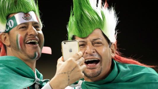 Mexico fans Senegal friendly 02102016