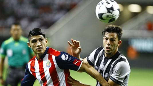Alan Pulido Chivas Fernando Meza Leon Liga MX 11212016