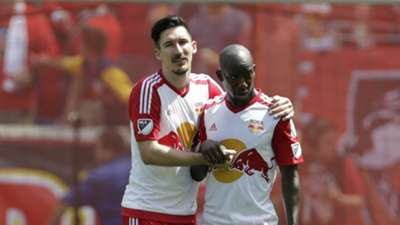 Sacha Kljestan Bradley Wright-Phillips New York Red Bulls MLS 07242016