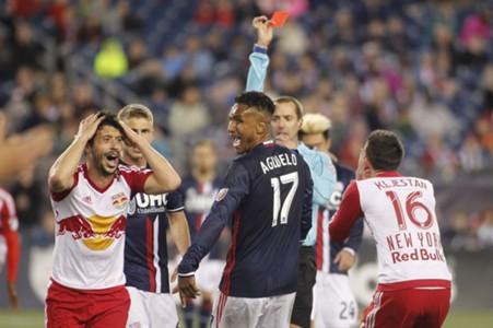 Felipe red card MLS 0401201