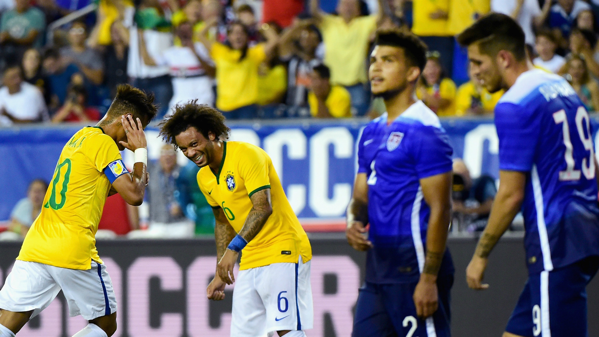 DeAndre Yedlin's comment to referee on a Neymar dive was ideal