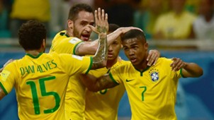 Douglas Costa Daniel Alves Neymar Brazil v Perú World Cup Qualifiyng South América 17112015