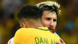 Dani Alves Lionel Messi Brasil Argentina Eliminatorias sudamericanas 10112016