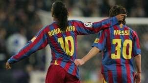 Ronaldinho - Messi EMBED