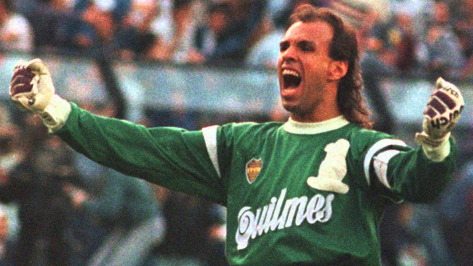 Carlos Navarro Montoya jugó para Boca Juniors de 1988 a 1996