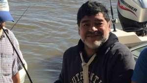 Diego Armando Maradona de pesca en Empedrado Corrientes 02072016