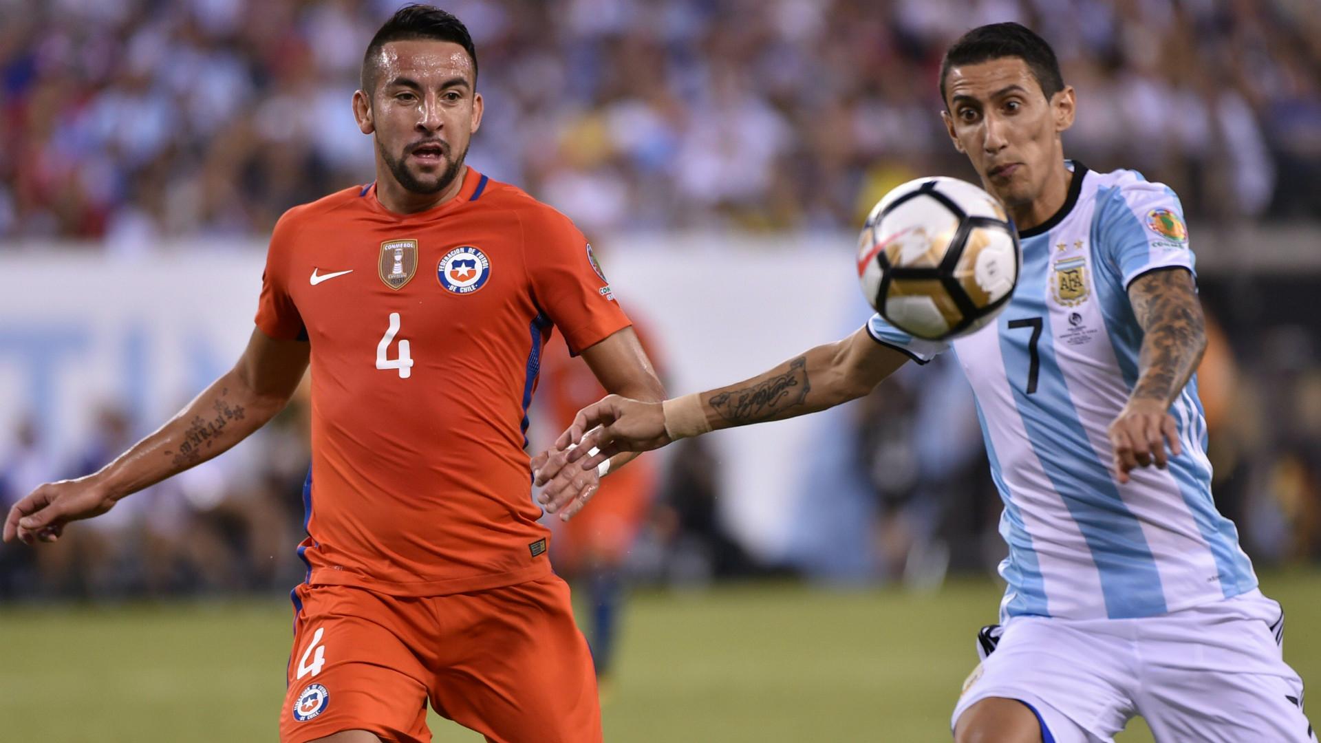 Mauricio Isla Angel Di Maria Argentina Chile Final Copa America Centenario 26062016