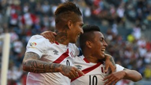 Paolo Guerrero Christian Cueva Haiti Peru Group B Copa America Centenario 04062016