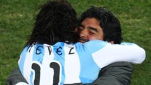 Tevez y Maradona