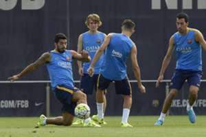 Suárez, Busquets, entrenamiento del 31/7/2015 en la Ciudad Deportiva de Barcelona