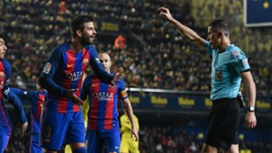 Gerard Pique Barcelona Villarreal 08012017
