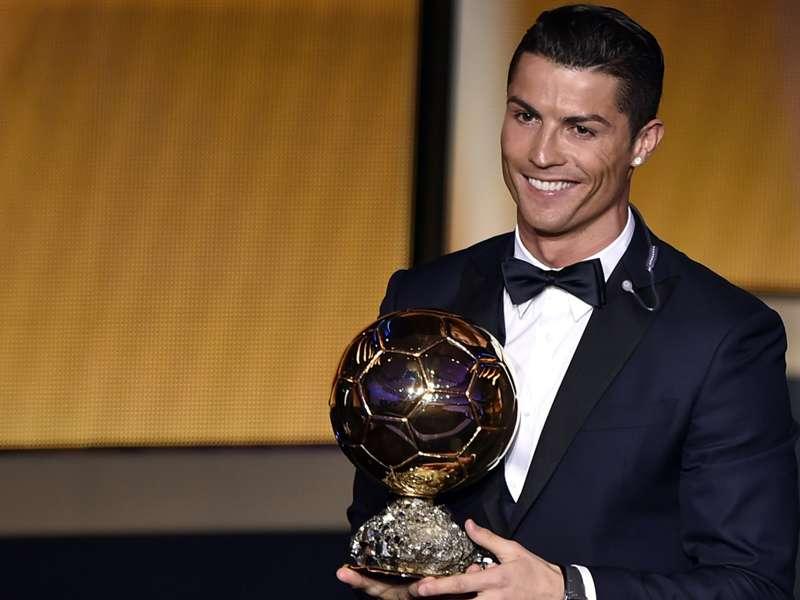 Cristiano Ronaldo ganha pela terceira vez a Bola de Ouro