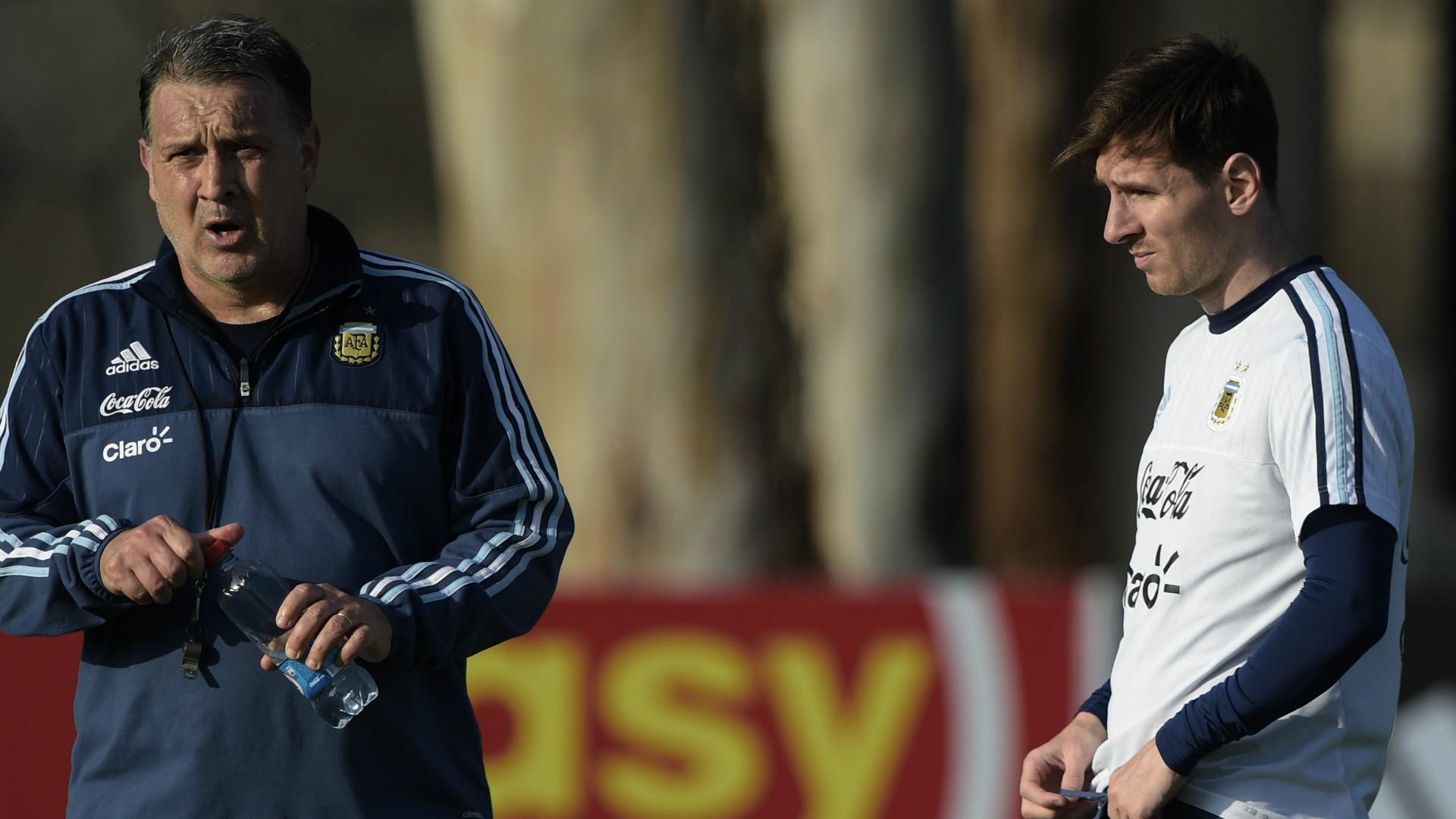 Gerardo Martino Lionel Messi Argentina 062015