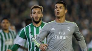 German Pezzella Cristiano Ronaldo Betis Real Madrid La Liga 24012016