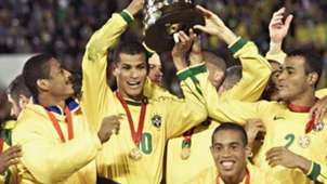 Especial Copa América 100 años ( brasil campeon 1999 dinho