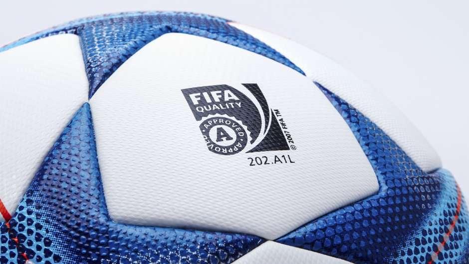 601aaedfa4dbc Adidas Finale 15