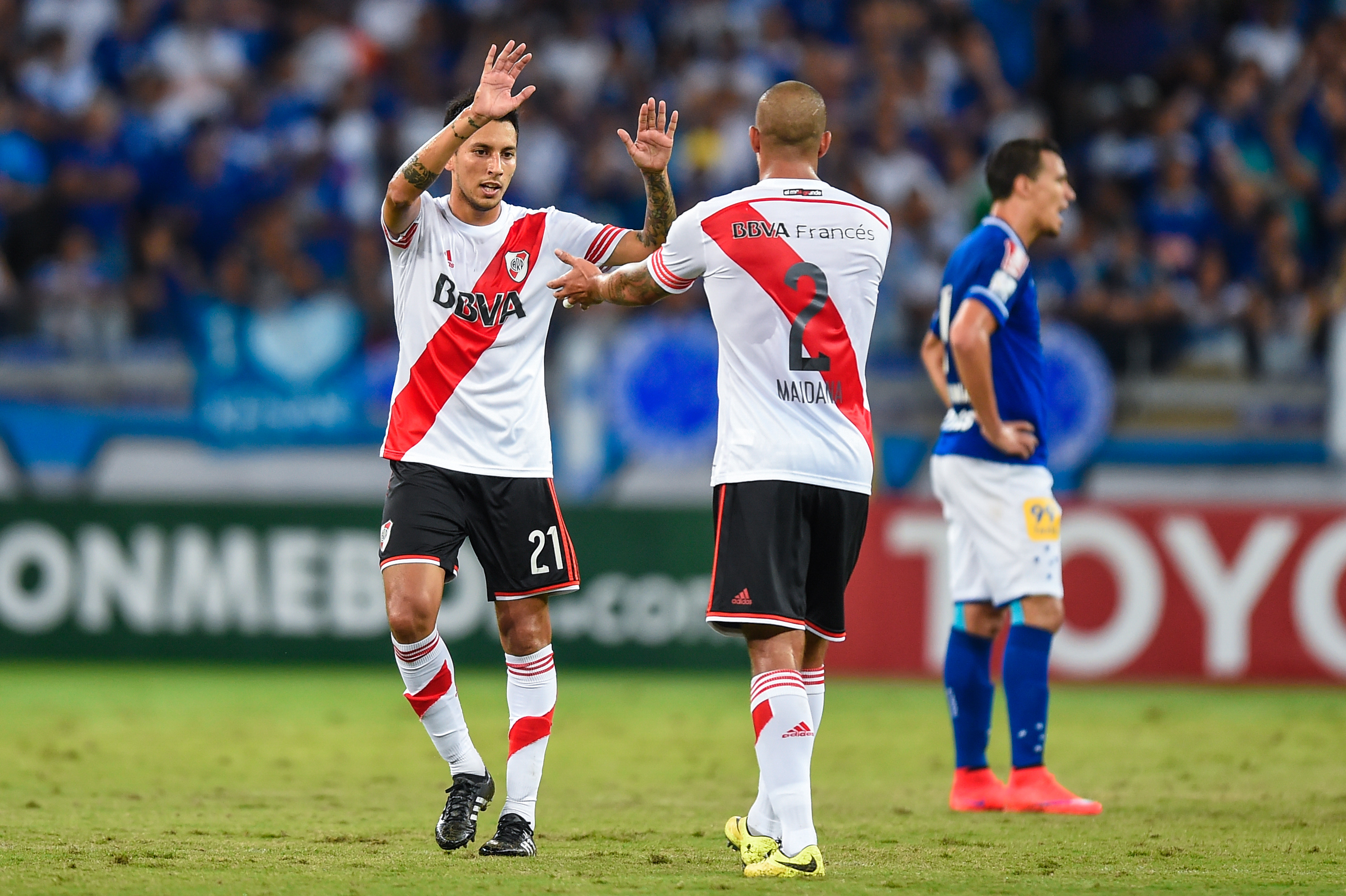 Leonel Vangioni Jonatan Maidana Cruzeiro River Plate Copa Libertadores 27052015