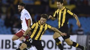 Nahitan Nandez San Roman Huracan v Peñarol Copa Libertadores