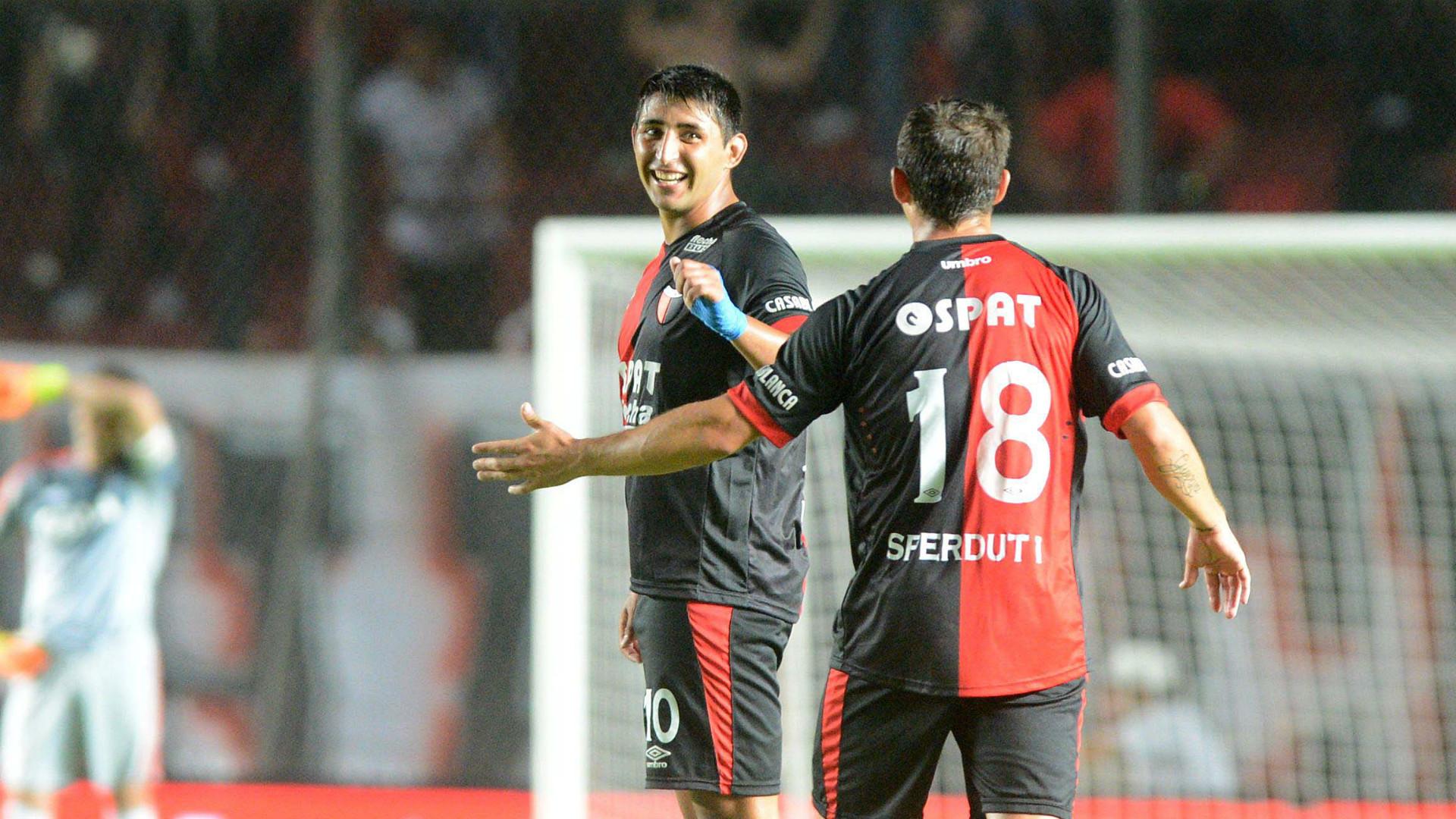 Alan Ruiz Mauricio Sperdutti Colon River Plate Primera Division Argentina 120316
