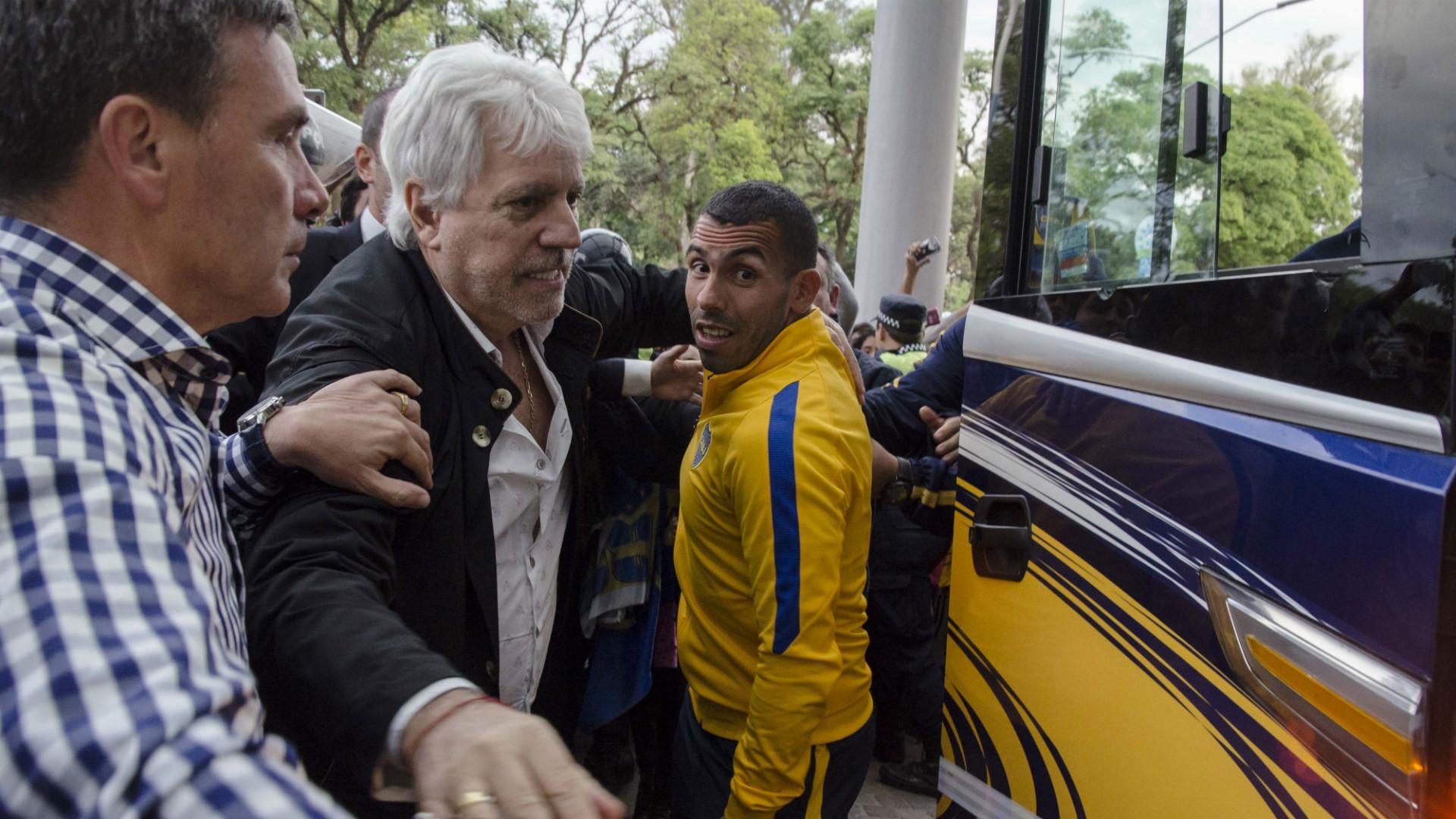 Carlos Tevez Juan Carlos Crespi Boca Llegada a Tucuman 22102016