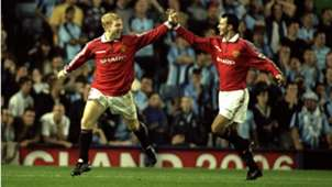Paul Scholes Ryan Giggs Manchester United 25081999